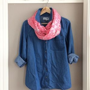 M Old Navy Classic Fit Denim Shirt